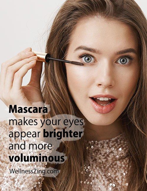 Apply Mascara to Make Eyes Bright and Voluminous