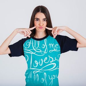 Printed T Shirt Looks Great for College Girl