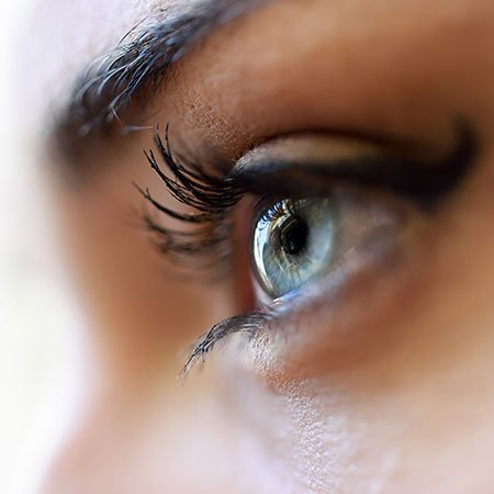 How to Grow Eyelashes Long and Thick with Home Remedies