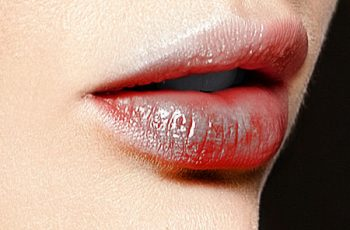 How to Treat Dark Lips with Home Remedies