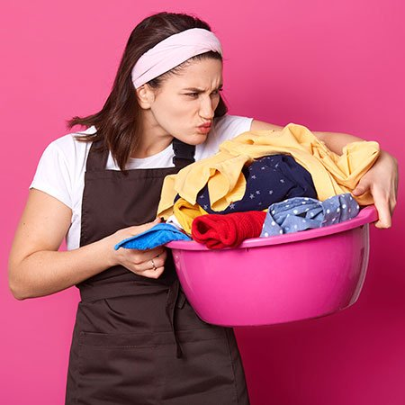 Remove Musty Smell from Clothes in Rainy Season