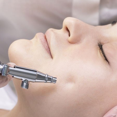 Oxygen Facial Procedure, Benefits and Side-Effects